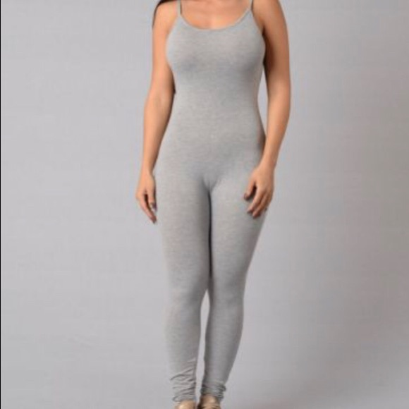 2 for 1 Fashion Nova Jumpsuits size small